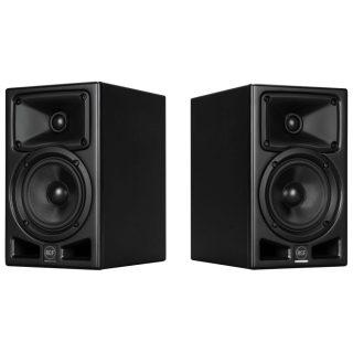 Ayra Pro 5 monitors